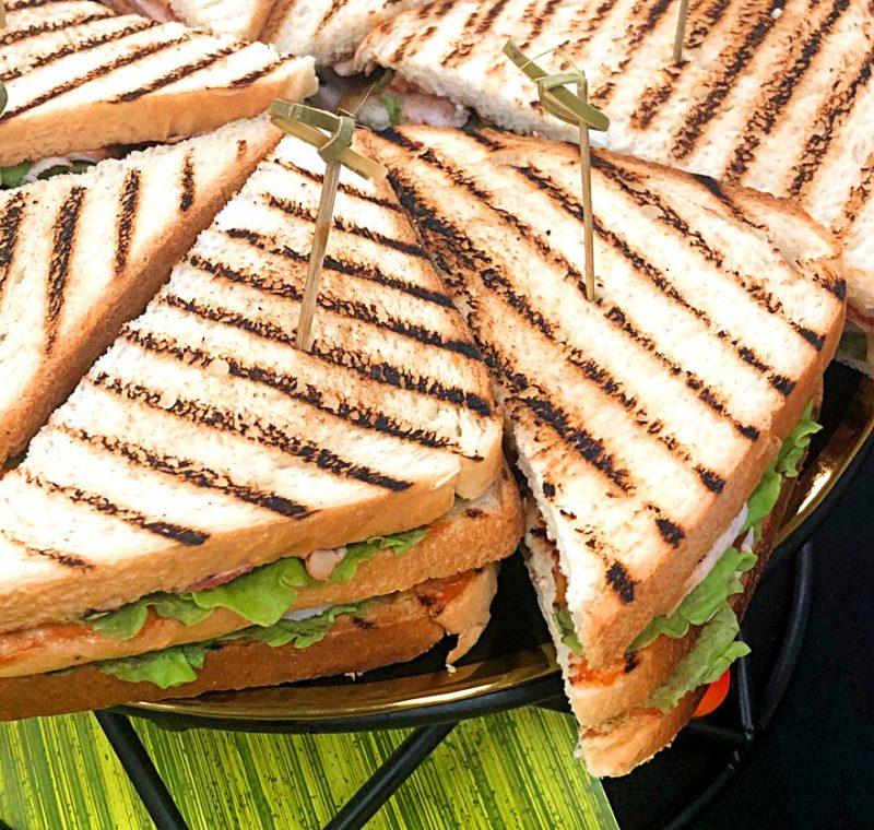 Комбо №3: Макси-сэндвич «Цезарь» -150 гр.
